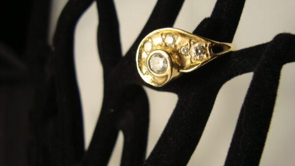Custom 9 ct. gold engagement ring